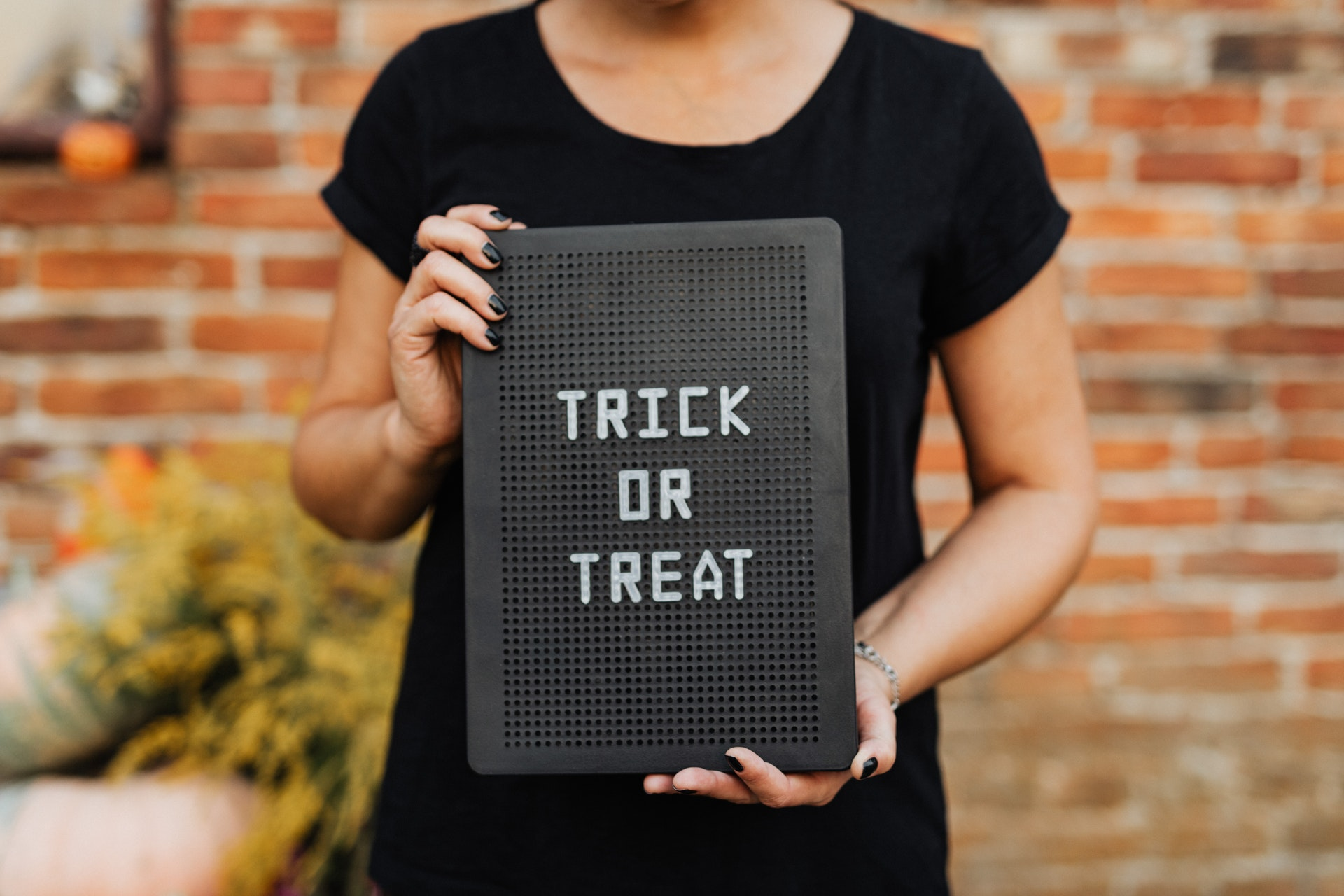 funny halloween trick or treat sayings